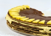 Tort de ciocolata cu ananas